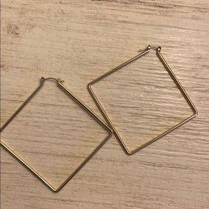 Triangle hoops gold